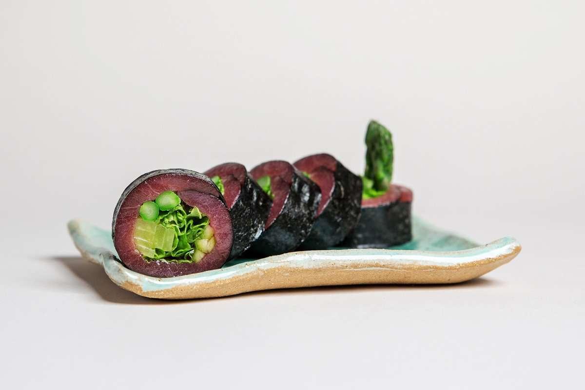 Tuna sashimi roll